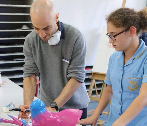 Art teachermakeshismarkin prestigious prize